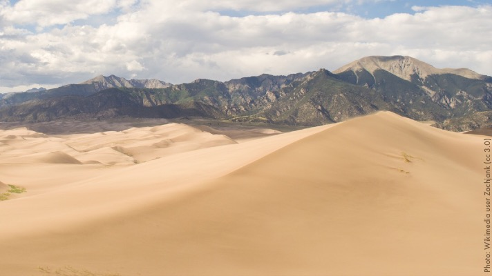 Great Sand Dunes National Park (Photo by Wikimedia user Zachjank (cc 3.0)